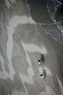 Reiten am Strand - p1016m755492 von Jochen Knobloch