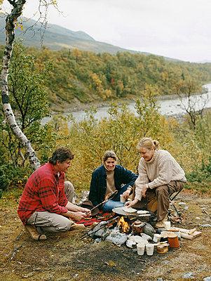 Campfire - p3124924 by Carl Johan Rönn