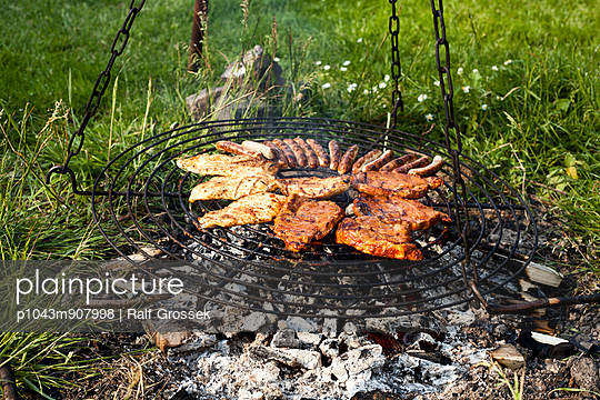 Barbecue - p1043m907998 by Ralf Grossek