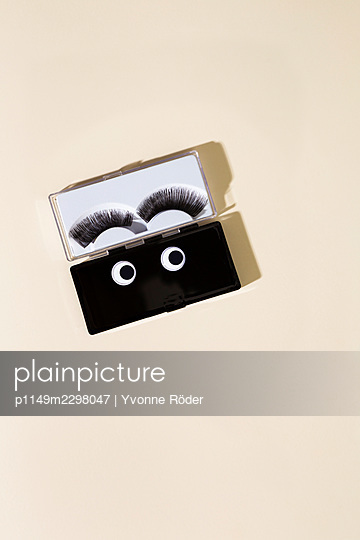 Fake lashes - p1149m2298047 by Yvonne Röder