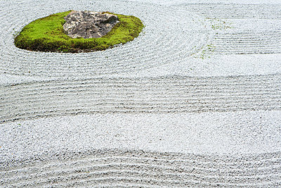 Raked patterns in rock garden - p6242009f by Laurence Mouton