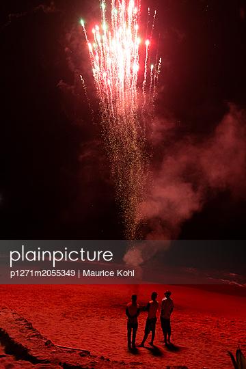 Feuerwerk - p1271m2055349 von Maurice Kohl