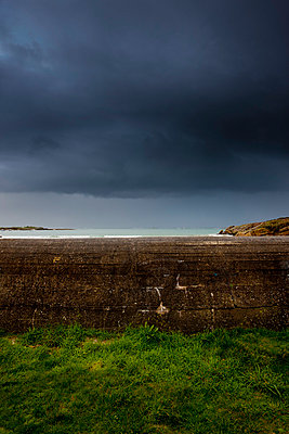 Concrete wall - p248m763366 by BY