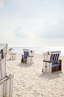 Strandkörbe - p606m949606 von Iris Friedrich