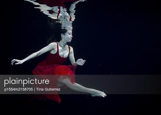 Underwater dancer - p1554m2158705 by Tina Gutierrez