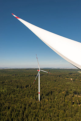 Waldwindpark Zöschingen I - p1079m880470 von Ulrich Mertens