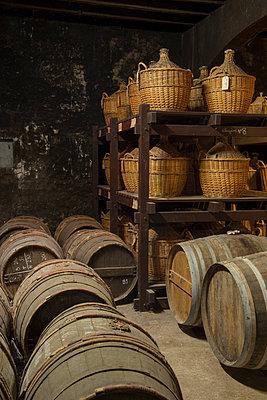 Barrels in winery cellar - p1216m2260505 von Céleste Manet