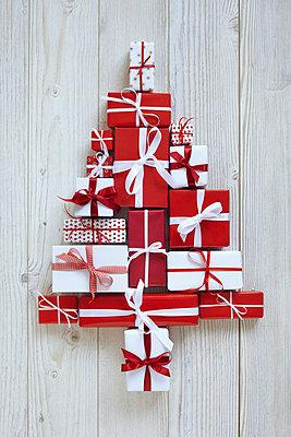 Weihnachtsgeschenke - p4642211 von Elektrons 08