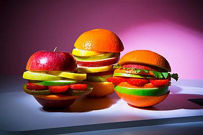 Veggie burger - p1149m2089345 by Yvonne Röder