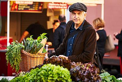 Weekly market - p1312m1515394 by Axel Killian