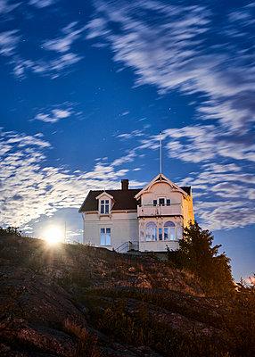 Villa im Mondlicht - p1124m1165622 von Willing-Holtz