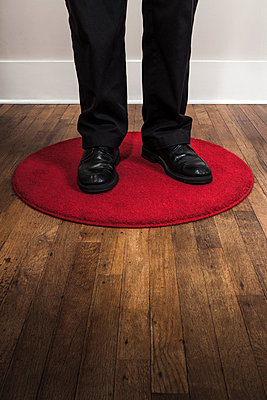 Roter Kreis - p1094m900234 von Patrick Strattner