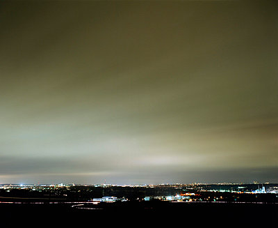 Illuminated city view at night, Rhine Main Area, Hesse, Germany - p4901693 by Jan Mammey