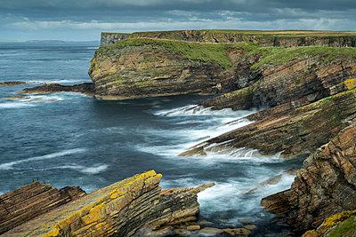 Dramatic layered cliffs at Burwick on South Ronaldsay, Orkney Islands, Scotland, United Kingdom, Europe - p871m2209424 by Adam Burton