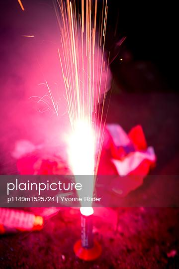 Feuerwerk an Silvester - p1149m1525724 von Yvonne Röder