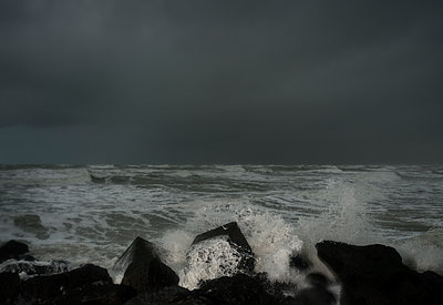 Stormy sea - p1132m1424061 by Mischa Keijser