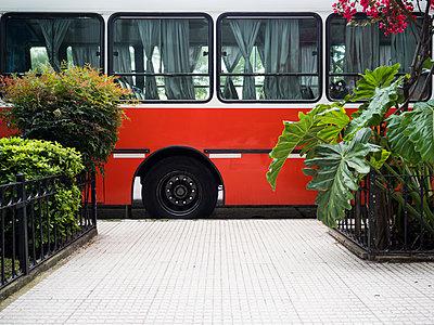 Bus - p930m2148414 von Ignatio Bravo
