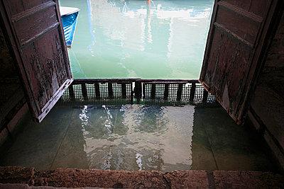 Ein Kanal in Venedig - p4450002 von Marie Docher
