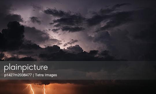 p1427m2038477 von Tetra Images