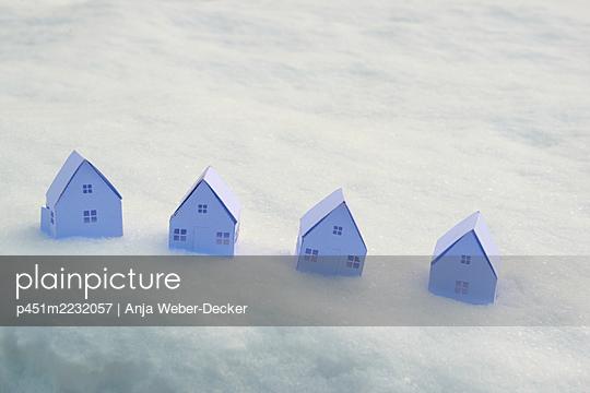 p451m2232057 by Anja Weber-Decker