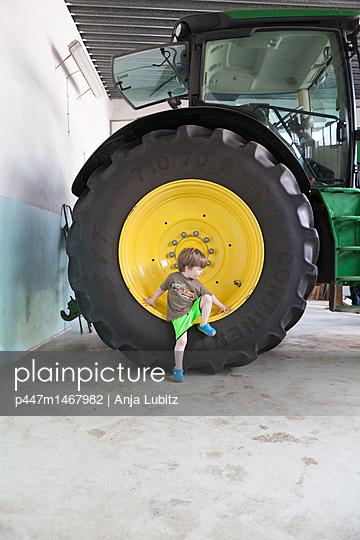 Groß und klein - p447m1467982 von Anja Lubitz