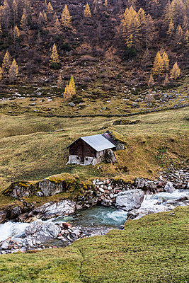 Mountain cabin - p1177m1516844 by Philip Frowein