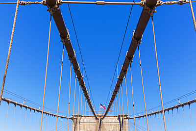 Brookly Bridge - p1280m1477493 by Dave Wall