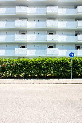 One Way - p1082m1589772 by Daniel Allan