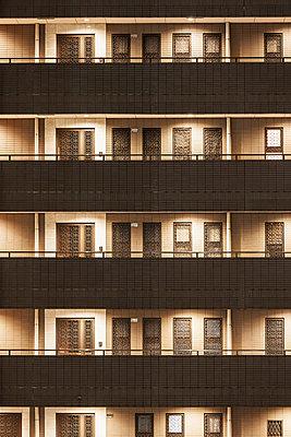 Facade - p1093m904069 by Sven Hagolani