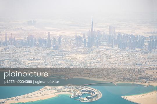 Dubai Burj Khalifa - p1275m2034389 von cgimanufaktur