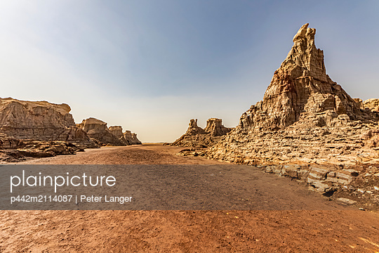 Canyon made of salt (mainly sodium chloride, potassium and magnesium), Danakil Depression; Dallol, Afar Region, Ethiopia - p442m2114087 by Peter Langer