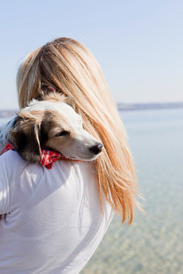 Hund und Frauchen - p4350121 von Stefanie Grewel