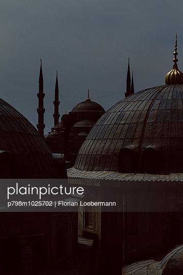 Blick auf die Blaue Moschee - p798m1025702 von Florian Loebermann