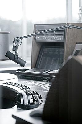 Radio Station - p300m905314 by Lisa und Wilfried Bahnmüller