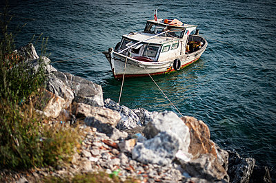 Boat - p1007m959896 by Tilby Vattard