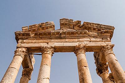 Ruinen der antiken Stadt Apameia im Norden Syriens - p1493m2063582 von Alexander Mertsch