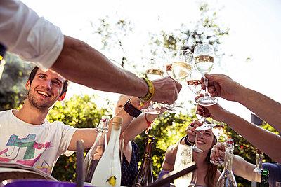 Cheers! - p788m823805 von Lisa Krechting