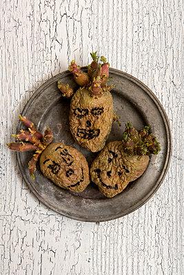 Kartoffelmännchen - p451m1042515 von Anja Weber-Decker