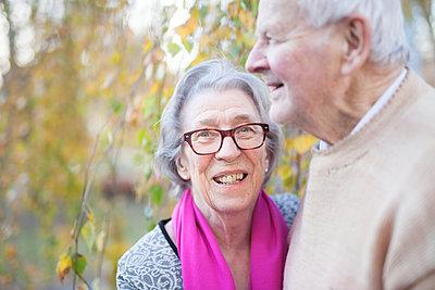 Senior couple together - p312m2161539 by Tanja Metelitsa