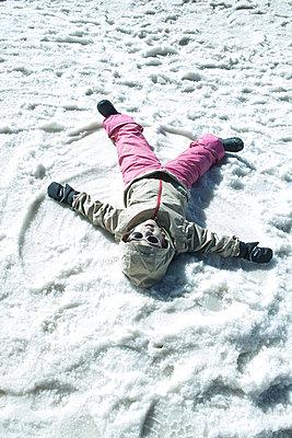 Snow angel - p985m1514908 by lia g.