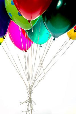 Heliumballons - p451m953149 von Anja Weber-Decker