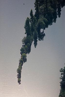 Bäume im Wasser - p1016m755500 von Jochen Knobloch
