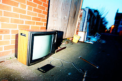 Dumped TV - p1072m830446 by Stephen Cliffe