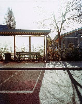 Bus stop - p3790214 by Scheller
