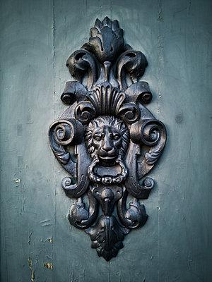 Door knocker lion - p1383m2052833 by Wolfgang Steiner