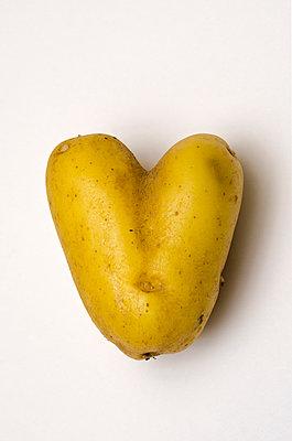Heart Potato - p1562m2161160 by chinch gryniewicz