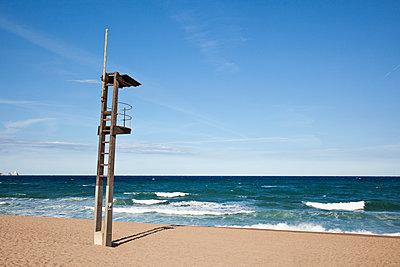 Rettungsschwimmerturm - p712m1553280 von Jana Kay