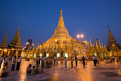 Shwedagon pagoda - p9246782f by Image Source