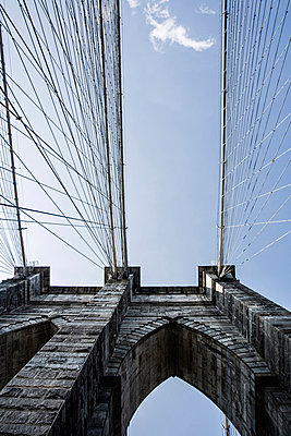Brooklyn Bridge - p741m892094 by Christof Mattes
