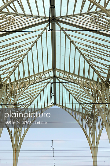 Glass roof structure - p851m2110795 by Lohfink
